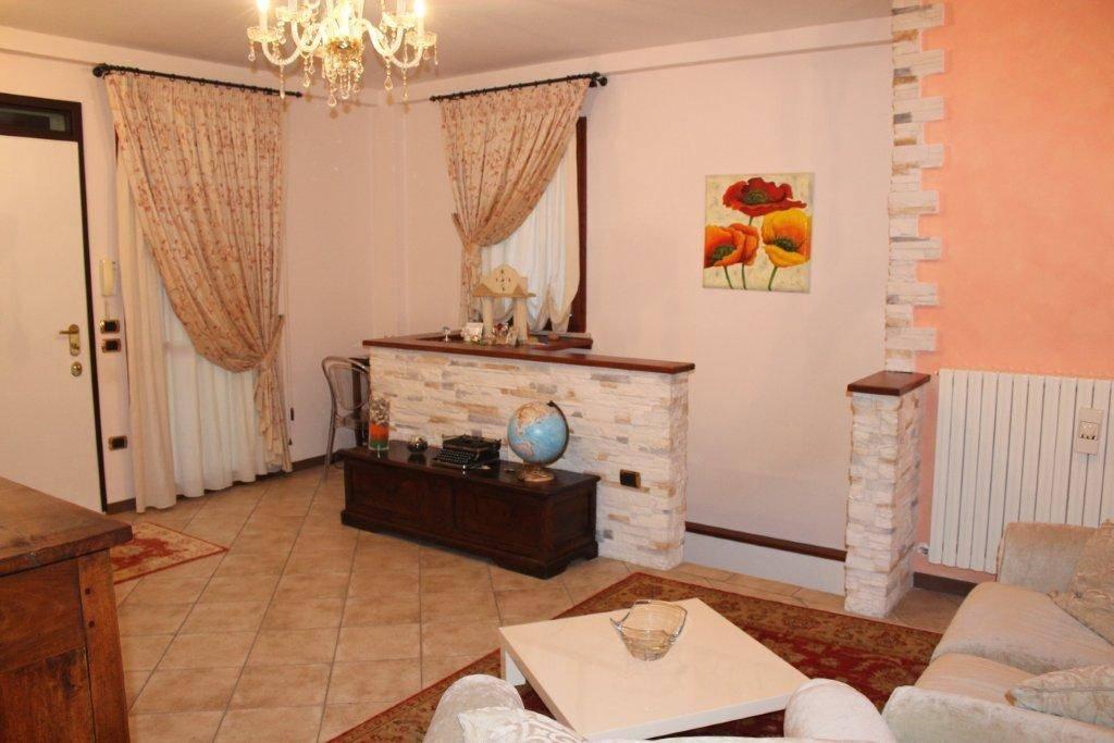 Appartamento in ottime condizioni in vendita Rif. 8608883
