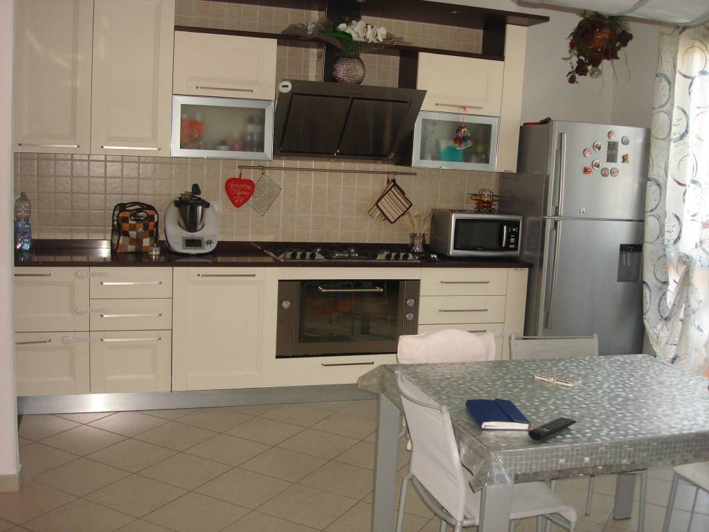 Appartamento in ottime condizioni in vendita Rif. 8608142