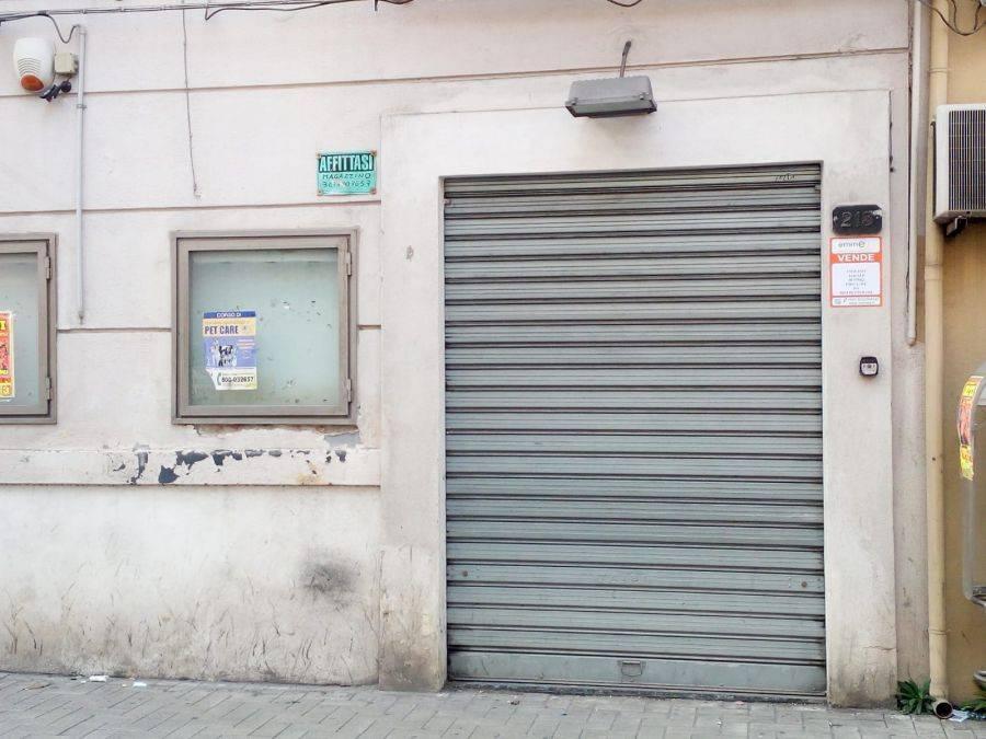 Vendita locale commerciale - via Oreto