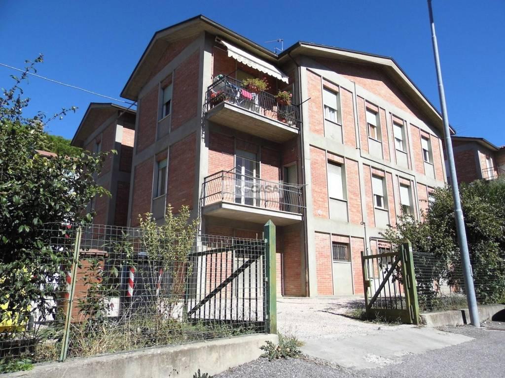 Appartamento in buone condizioni in vendita Rif. 8609854