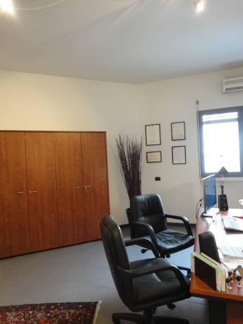 Ufficio in affitto Rif. 8592584
