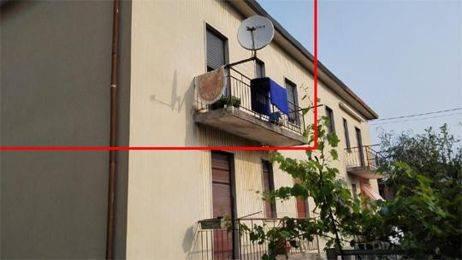 Appartamento in buone condizioni in vendita Rif. 9439196
