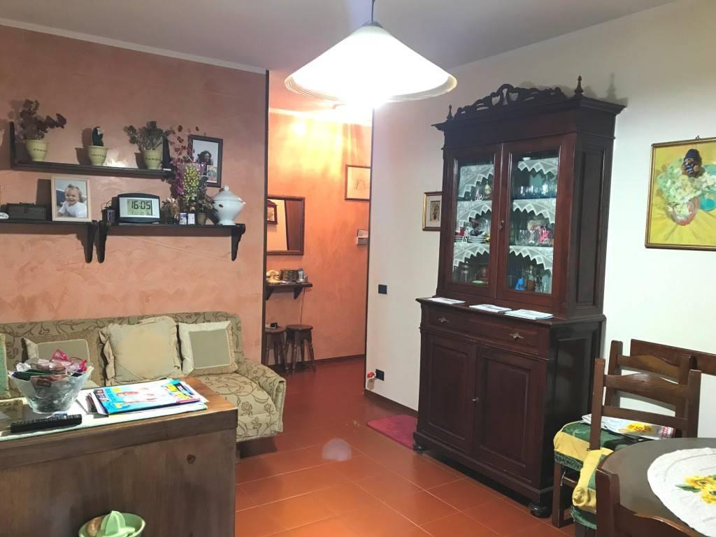Appartamento in buone condizioni in vendita Rif. 8609105