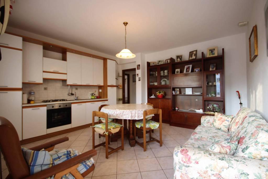 Donoratico, appartamento con ampia corte privata in vendita