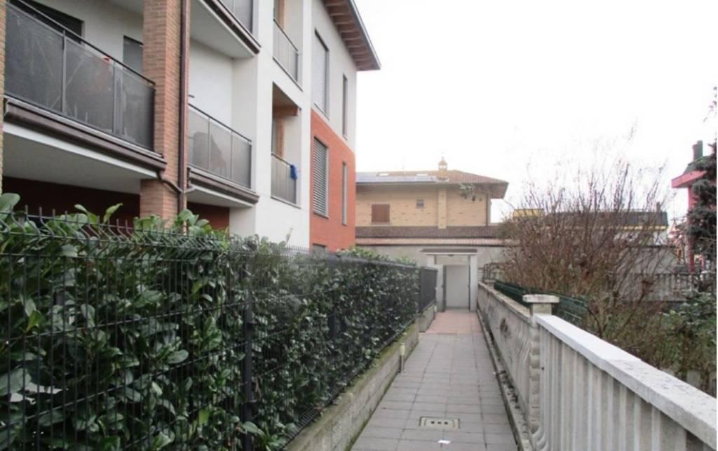 Appartamento in buone condizioni in vendita Rif. 8641043