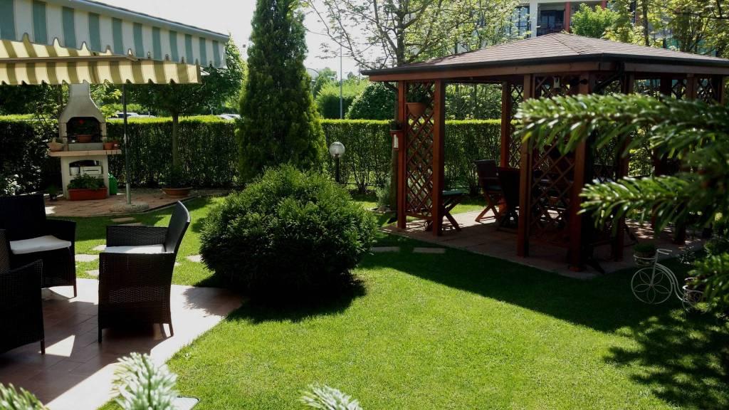 Montale appartamento con ampio giardino