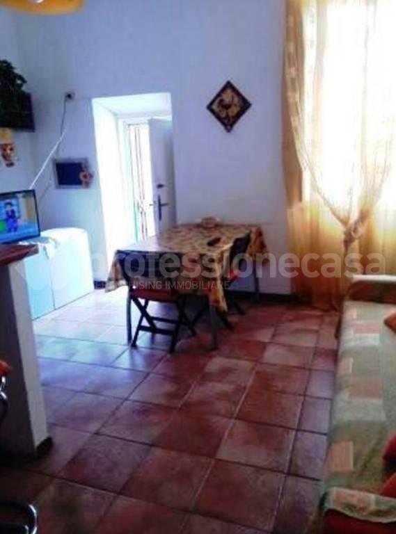 Appartamento in buone condizioni in vendita Rif. 8611870