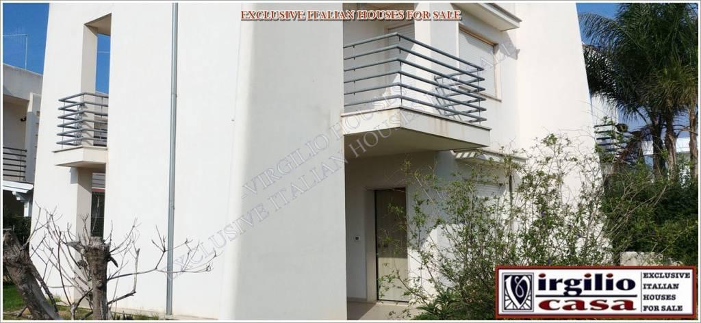 Villa parzialmente arredato in vendita Rif. 8639794