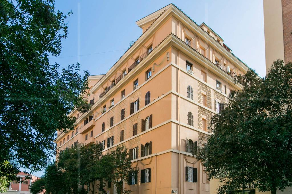Appartamento in vendita a Roma, 4 locali, zona Zona: 14 . San Giovanni, Re di Roma, P.ta Metronia, prezzo € 479.000 | CambioCasa.it
