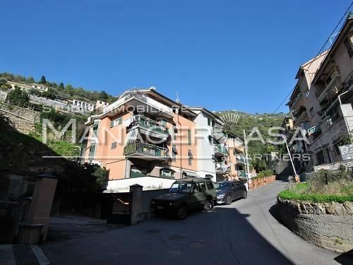 Appartamento in vendita a Bogliasco, 4 locali, prezzo € 135.000 | CambioCasa.it
