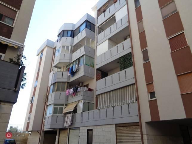 Appartamento in buone condizioni in vendita Rif. 8607710