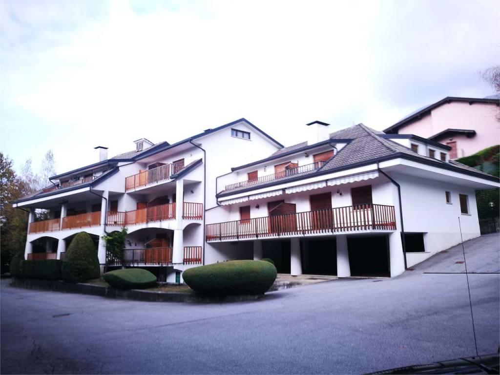 Appartamento da ristrutturare arredato in vendita Rif. 9139521