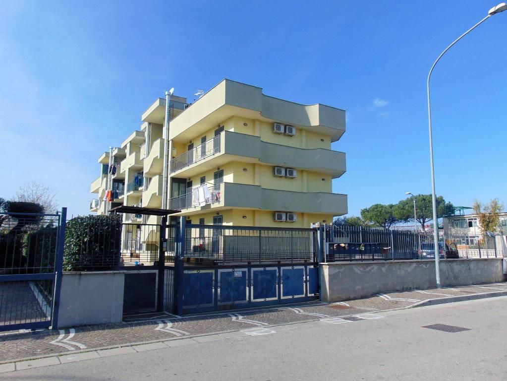 Appartamento in ottime condizioni in vendita Rif. 8619800