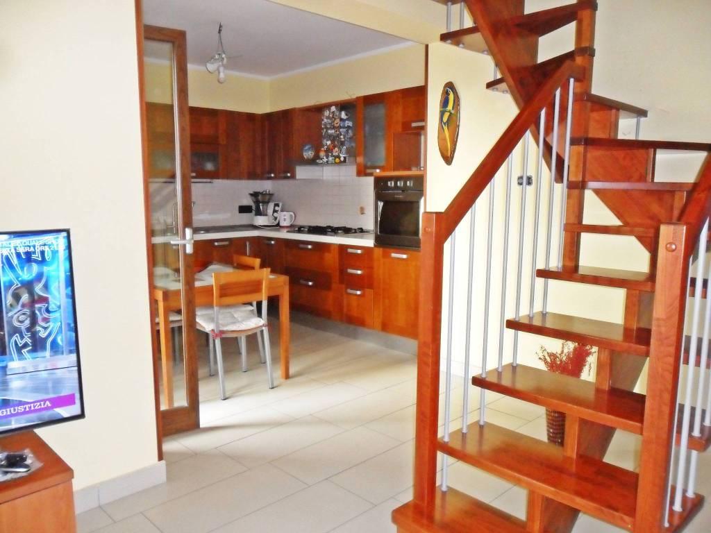 Appartamento in ottime condizioni in vendita Rif. 8618175