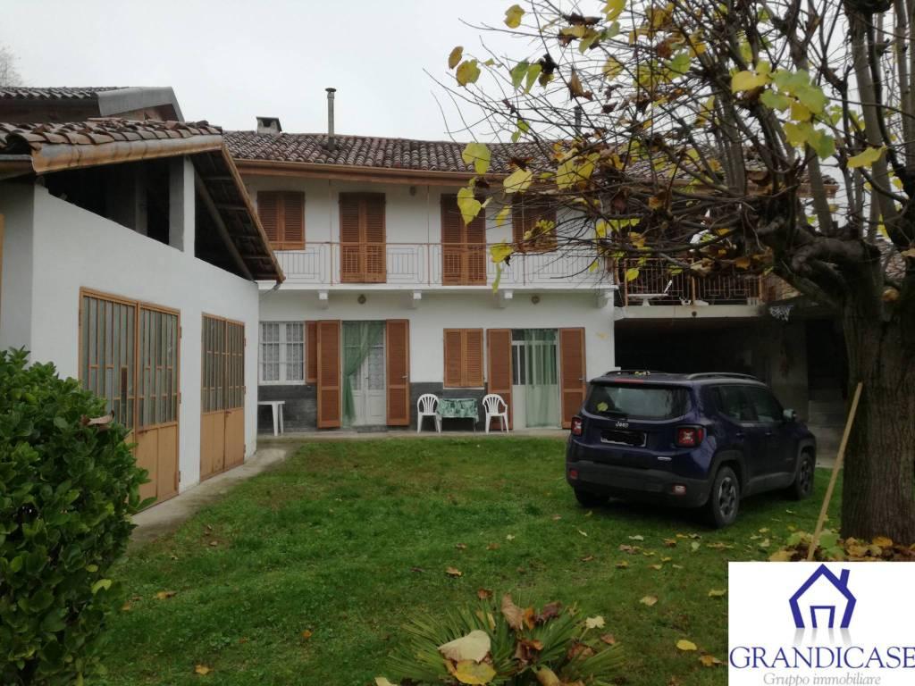 Rustico / Casale in buone condizioni in vendita Rif. 8618124