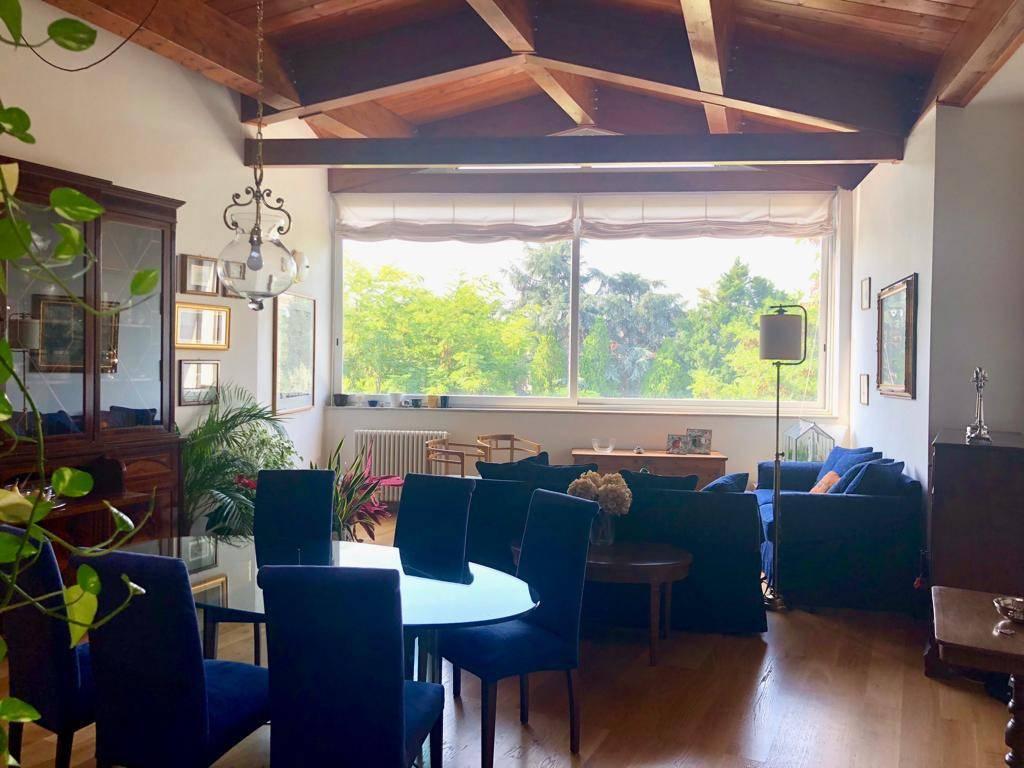 Appartamento in ottime condizioni in vendita Rif. 8618131