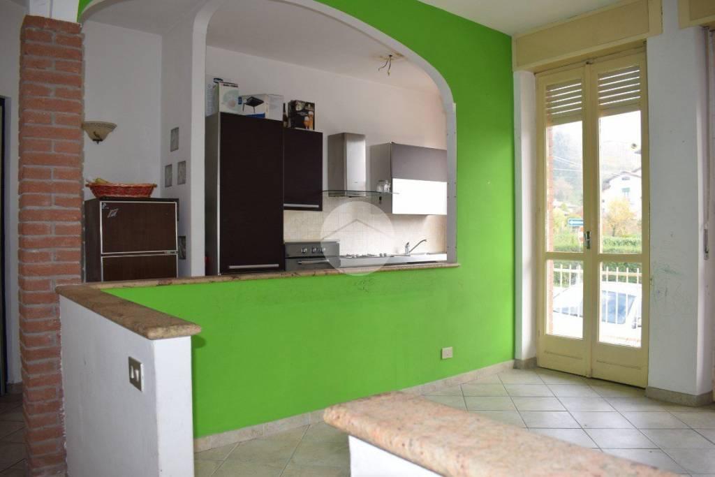 Appartamento parzialmente arredato in vendita Rif. 9226255