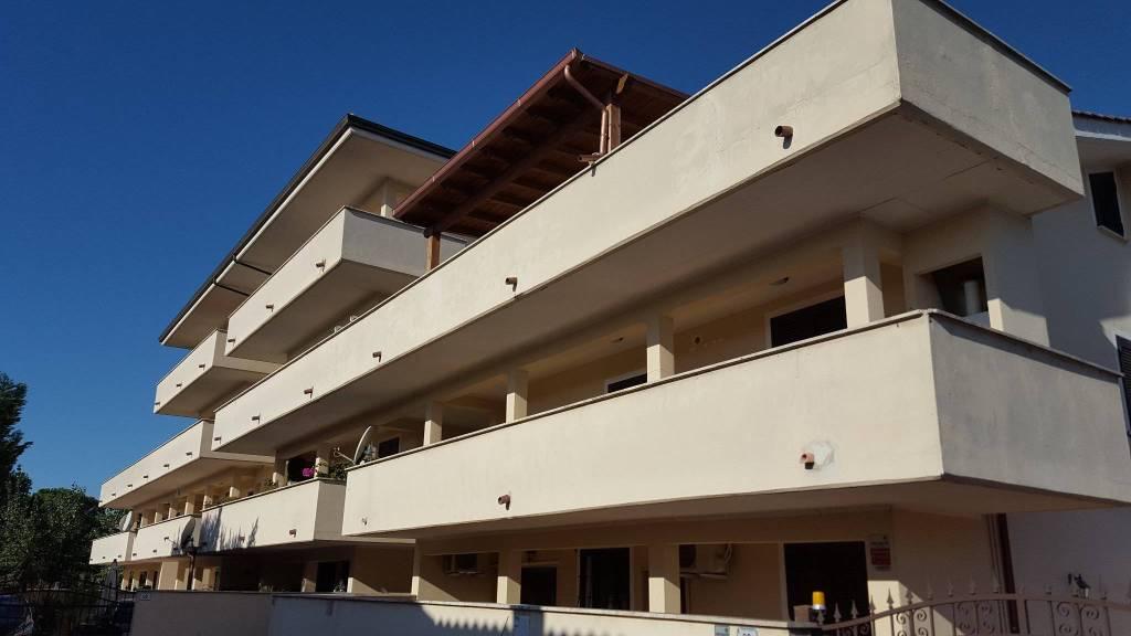 Attico / Mansarda in ottime condizioni arredato in affitto Rif. 8619022