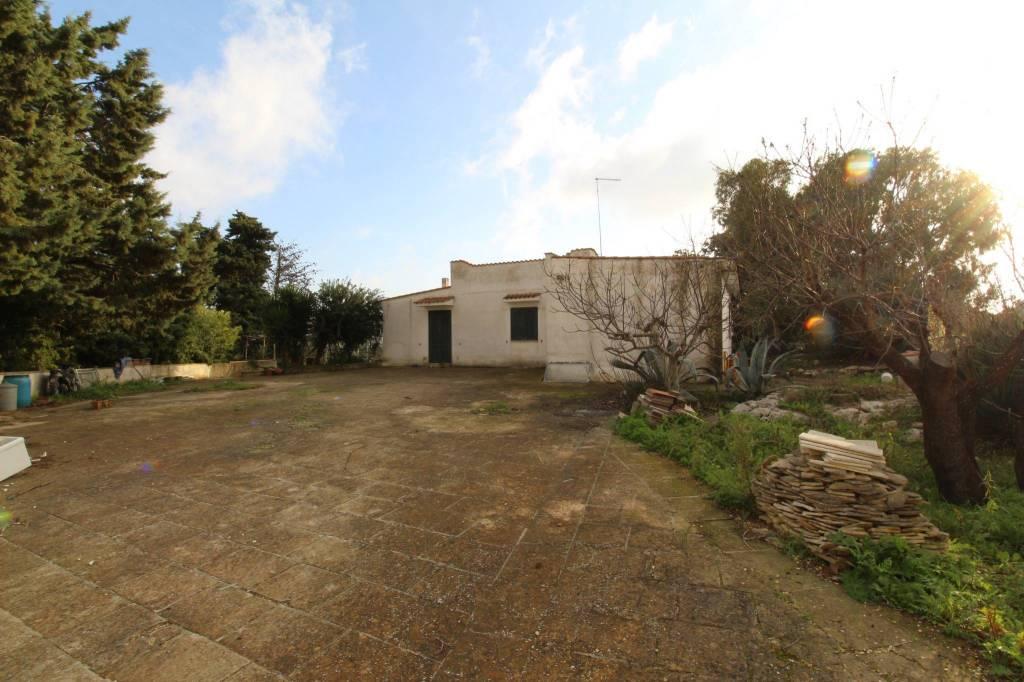 Villa da ristrutturare in vendita Rif. 8620014