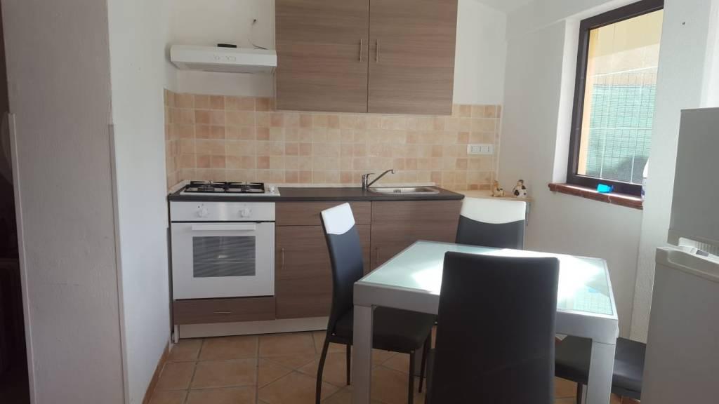 Appartamento in buone condizioni in vendita Rif. 8618368