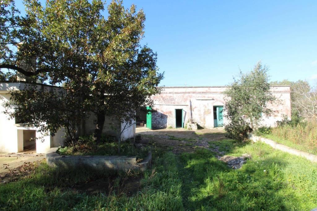 Casolare con trullo in Valle d'Itria