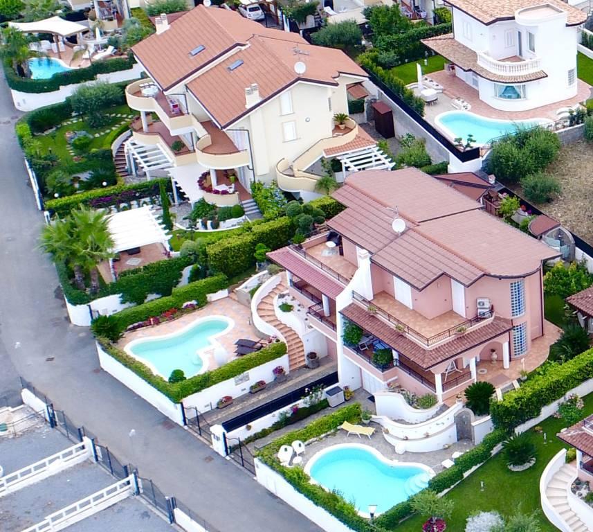 Villa in vendita Rif. 4573139