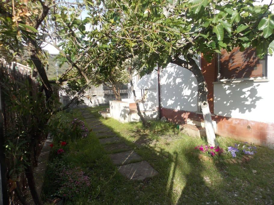Villa in buone condizioni in vendita Rif. 8627175