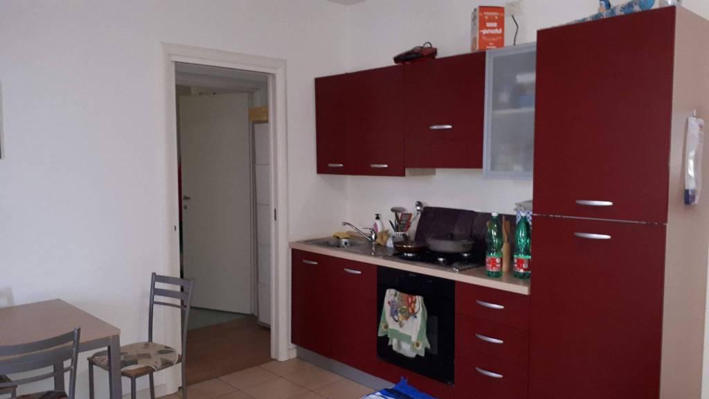 Appartamento in ottime condizioni parzialmente arredato in affitto Rif. 8627523