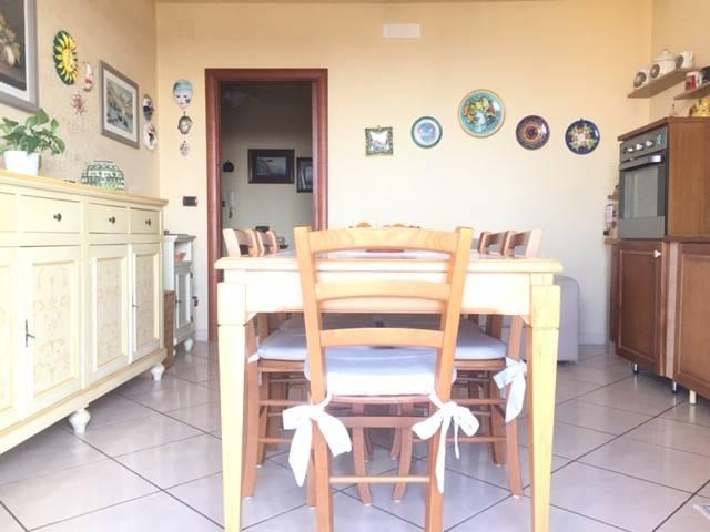 Appartamento in ottime condizioni in vendita Rif. 8650439