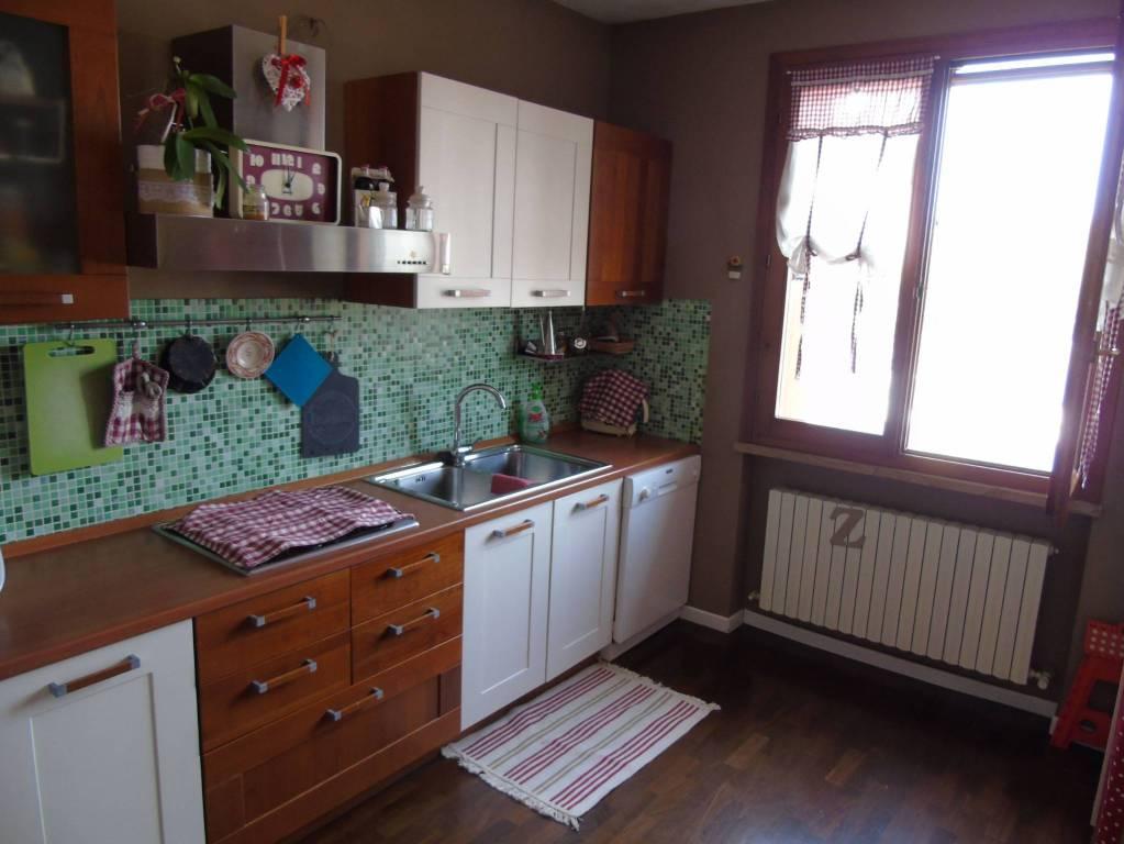 Appartamento semi- nuovo - Villa Pieve di Guastalla