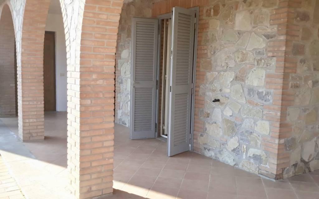 Appartamento in ottime condizioni in vendita Rif. 8650302