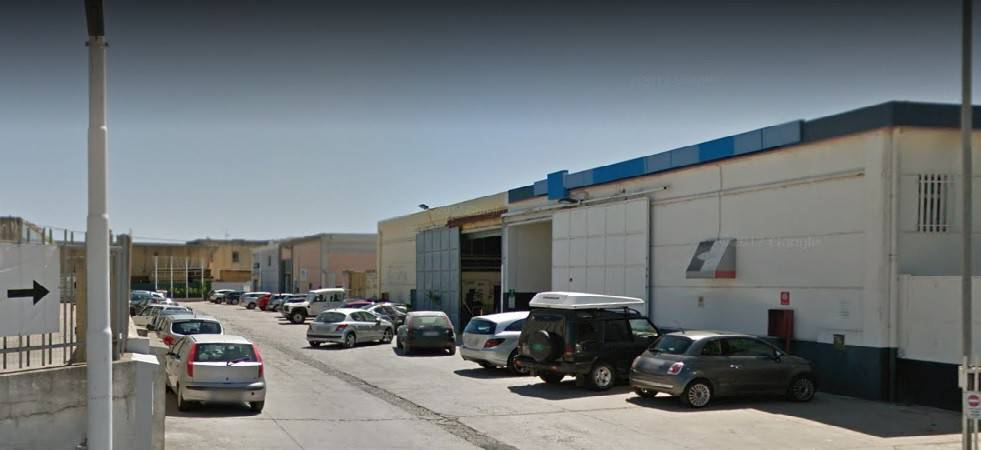 Capannone in vendita a Sassari, 4 locali, prezzo € 295.000 | CambioCasa.it