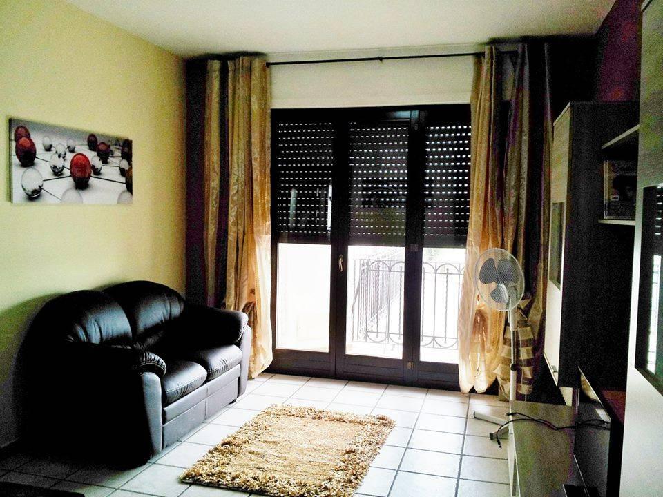 Appartamento in ottime condizioni arredato in vendita Rif. 8651243