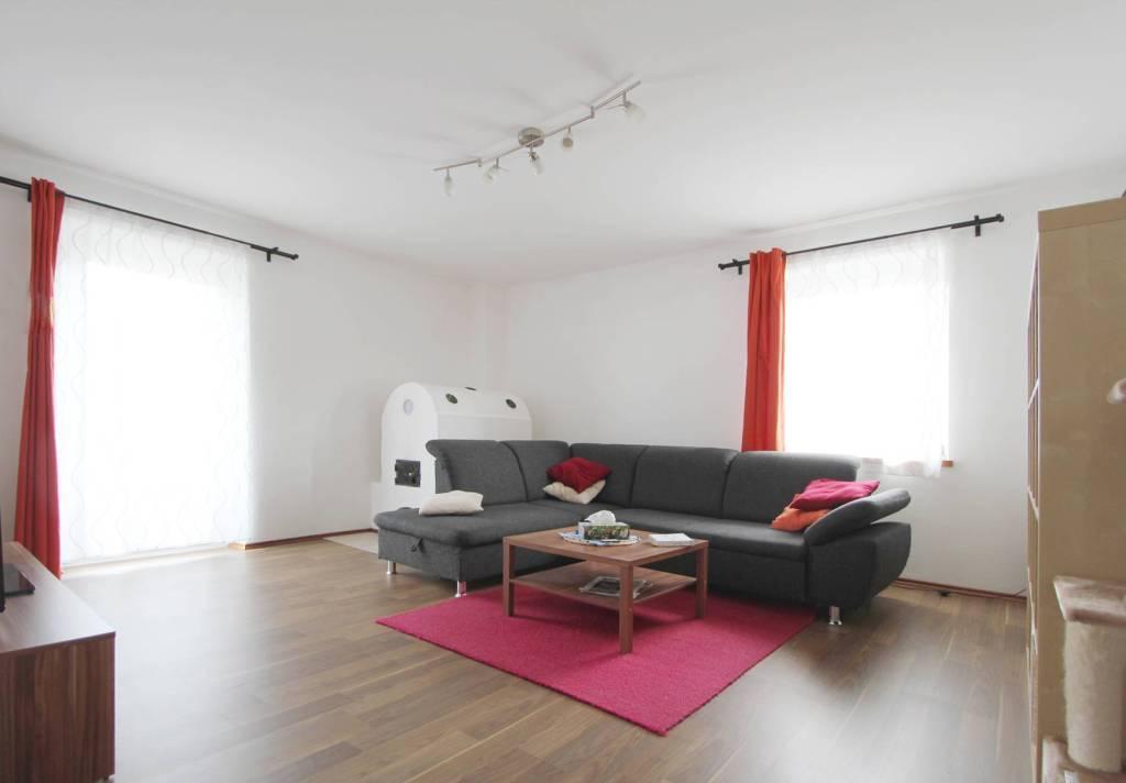 Appartamento in buone condizioni parzialmente arredato in vendita Rif. 8639435