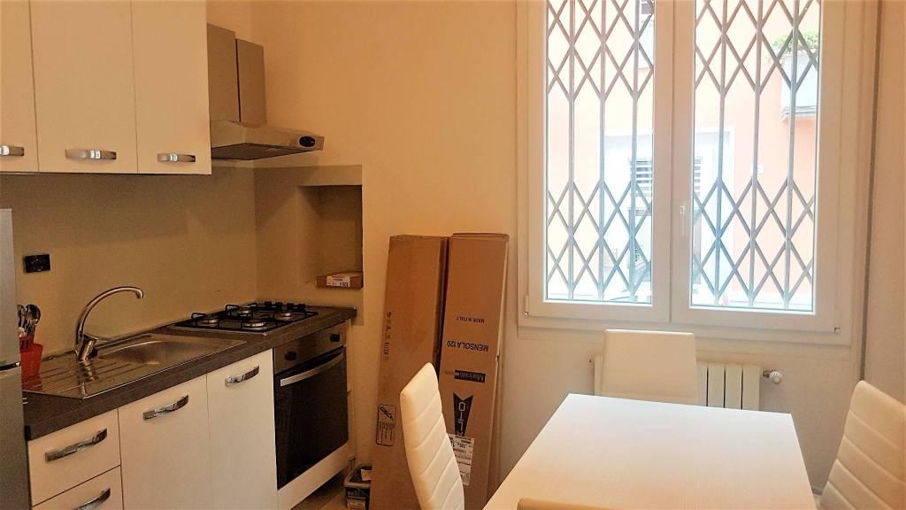 Appartamento in ottime condizioni arredato in affitto Rif. 8644510