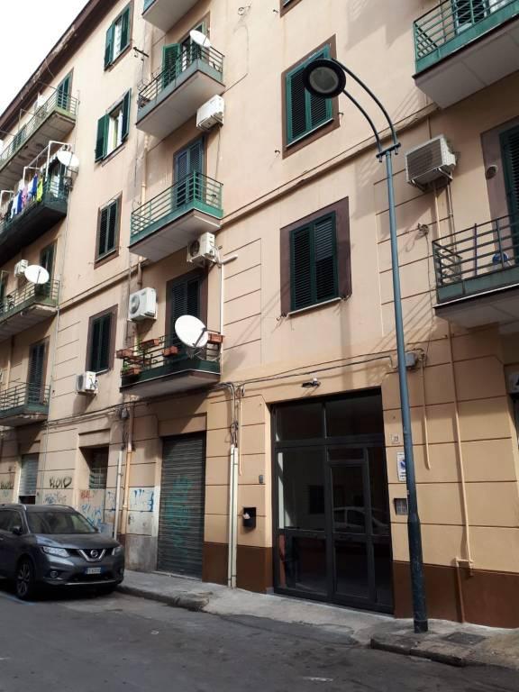 Appartamento in buone condizioni in vendita Rif. 8645253