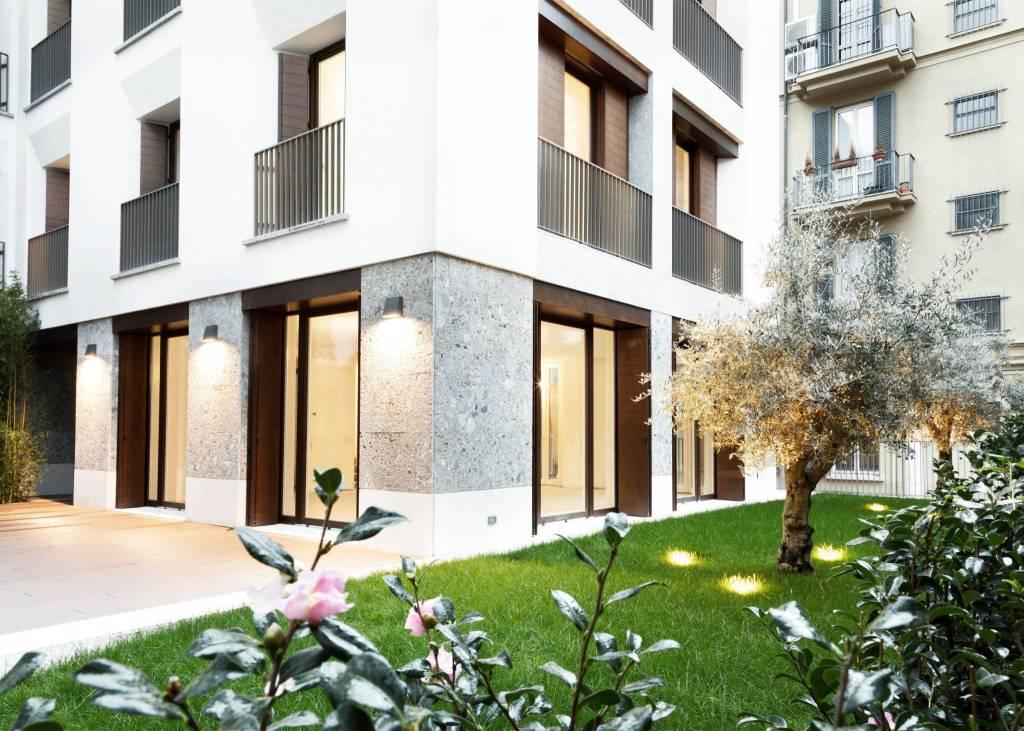 Villa in Vendita a Milano 01 Centro storico (Cerchia dei Navigli): 5 locali, 226 mq