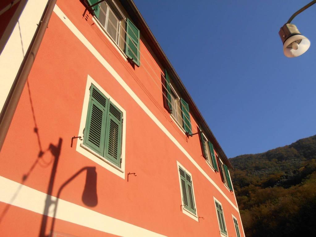 Foto 1 di Trilocale Frazione Lago, Sori