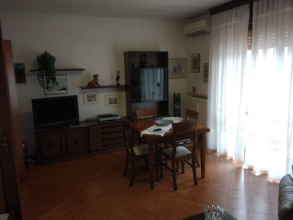 Appartamento in buone condizioni arredato in vendita Rif. 8643286