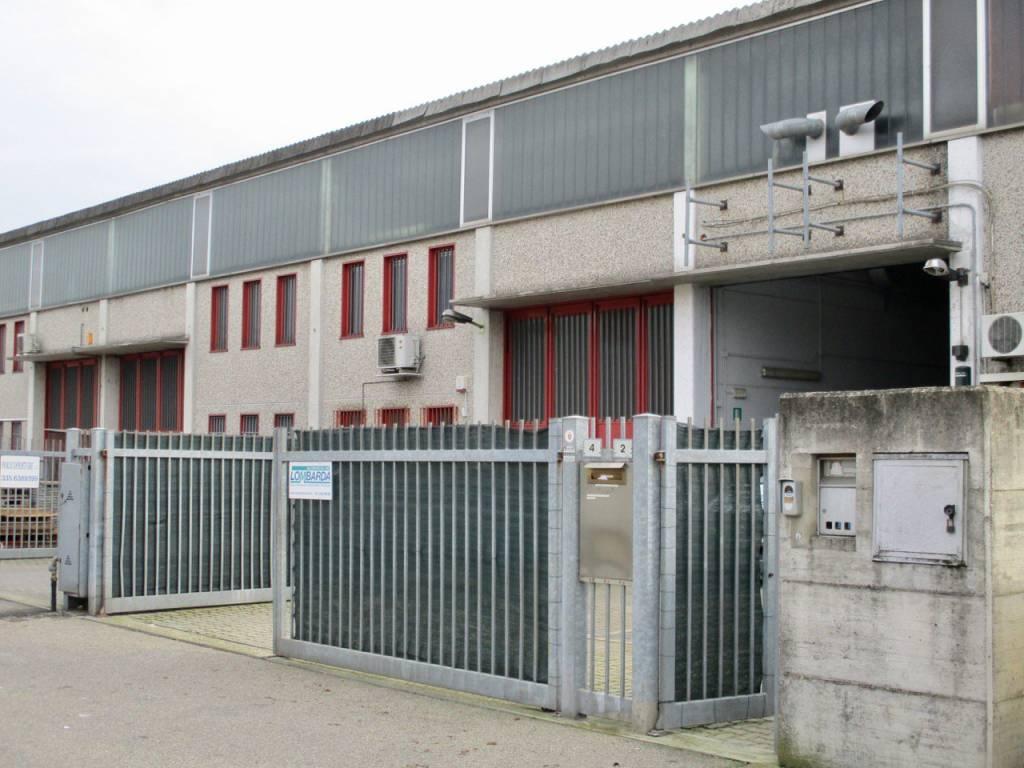 Capannone in vendita a Cura Carpignano, 9999 locali, prezzo € 230.000 | CambioCasa.it