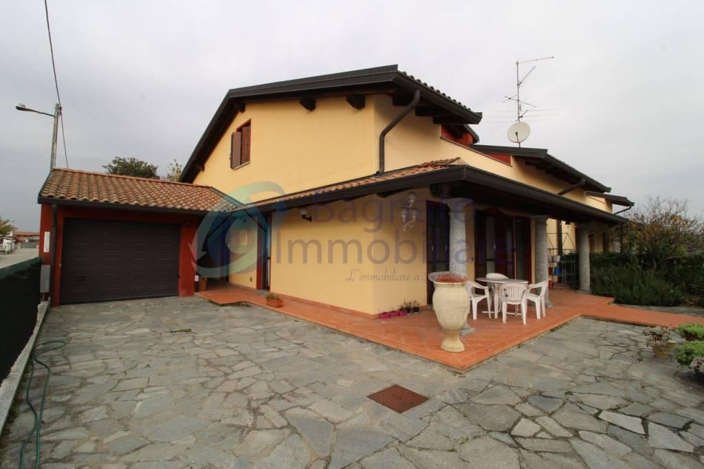 Villa in ottime condizioni in vendita Rif. 8641213