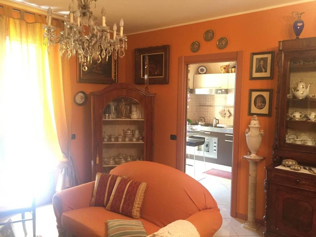 Appartamento in buone condizioni parzialmente arredato in vendita Rif. 8677562