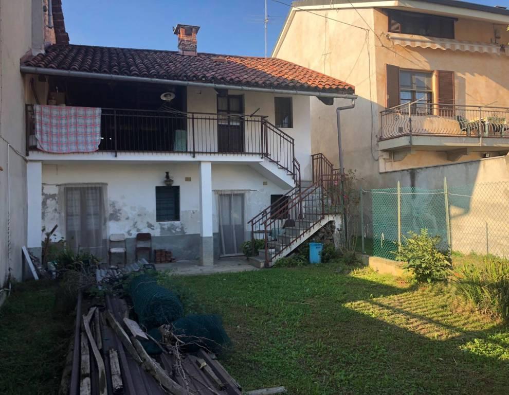 Rustico / Casale da ristrutturare in vendita Rif. 8642081