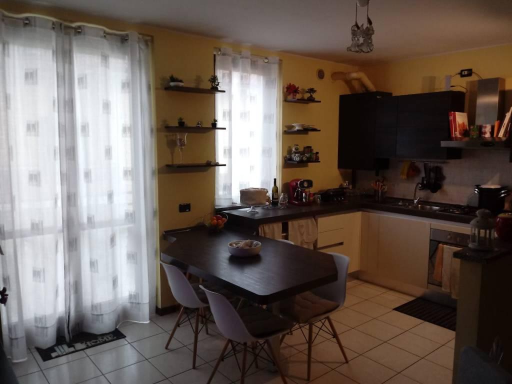 Appartamento in vendita a Fara Gera d'Adda, 4 locali, prezzo € 115.000 | CambioCasa.it