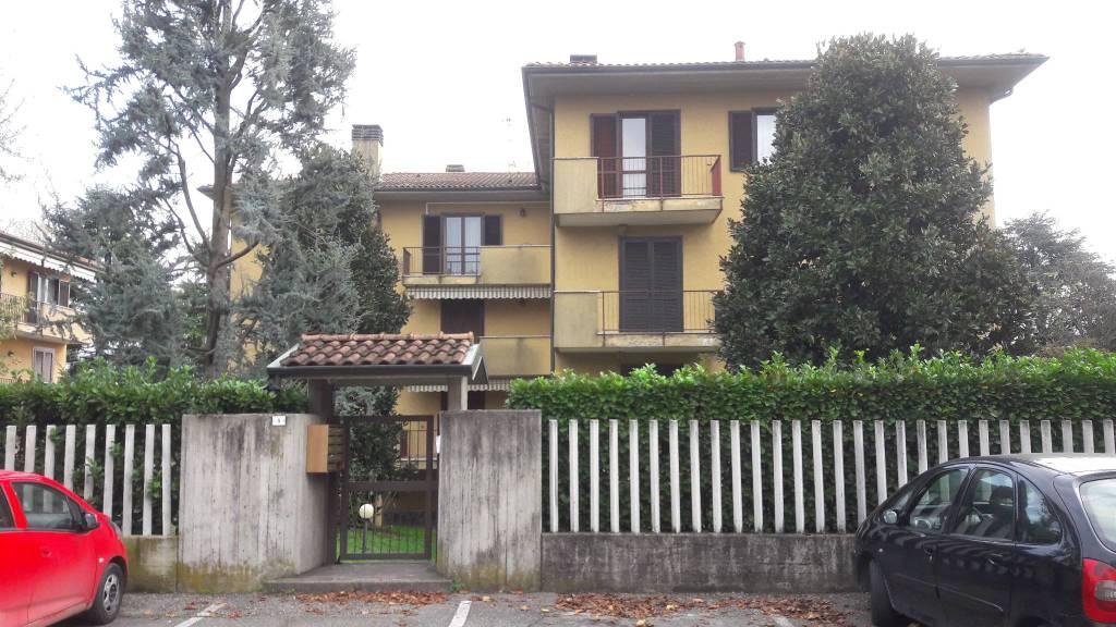 Appartamento in buone condizioni in vendita Rif. 8638751