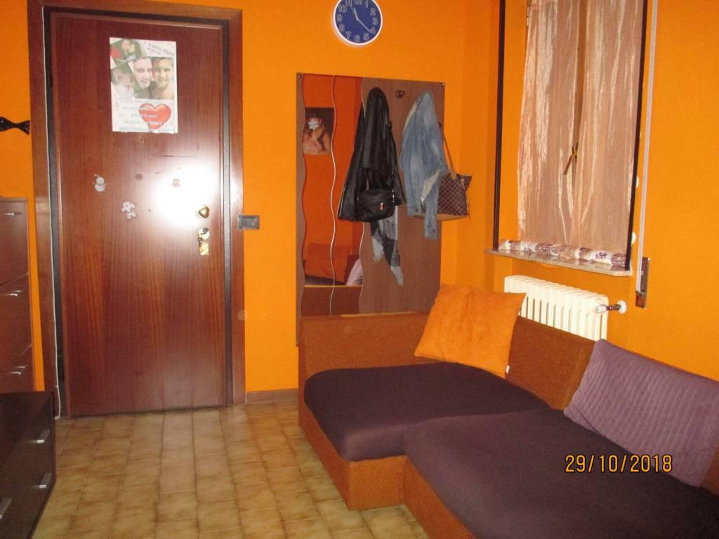 Appartamento in buone condizioni in vendita Rif. 8639986