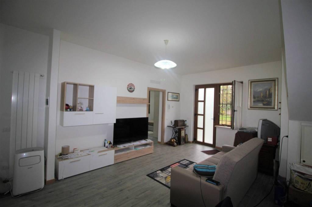 Appartamento in ottime condizioni in vendita Rif. 8645520