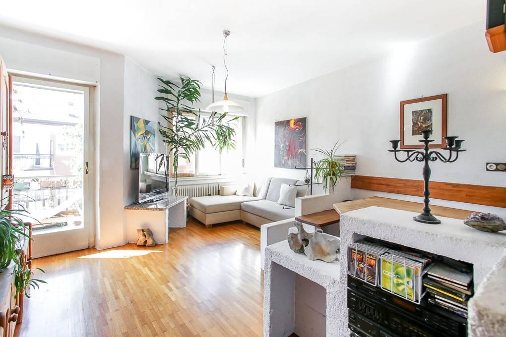 Ampio appartamento ultimo piano