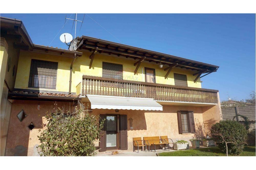 Rustico / Casale in vendita a Gambara, 3 locali, prezzo € 180.000 | CambioCasa.it