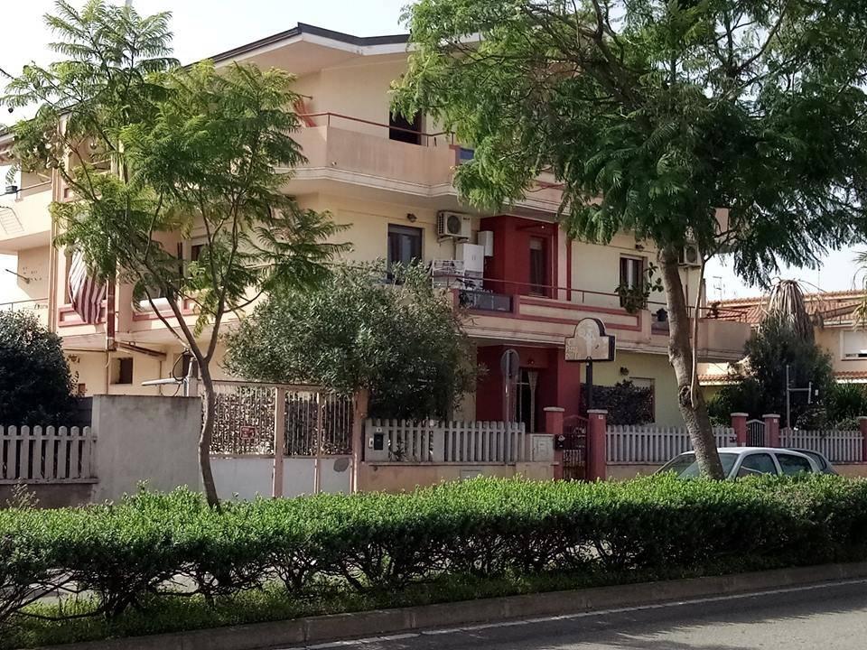 Appartamento in ottime condizioni in vendita Rif. 8650285